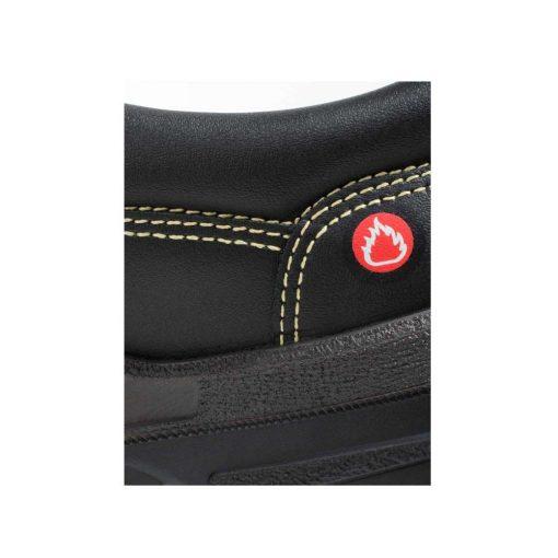 Cipele Jalas 1550 Low udobne su zavarivačke cipele sa S2 razinom zaštite. Prošivene KEVLAROM koji je otporan na 427°C kratkotrajnog izlaganja i 204°C dugotrajnog izlaganja, imaju gornjište i protuklizni potplat otporan na toplinu i antistatička svojstva. Pogodne za zavarivače! Ejendals 1550 Jalas radne cipele imaju i ventilirajuće uloške, dvostruku zonu apsorbcije udarca te su vodonepropusne